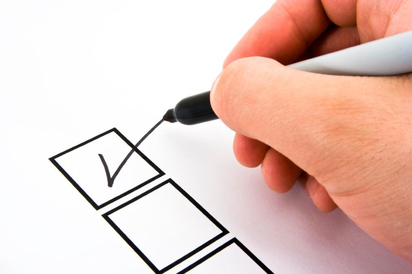 Cum se promovează unii medici online în 2012