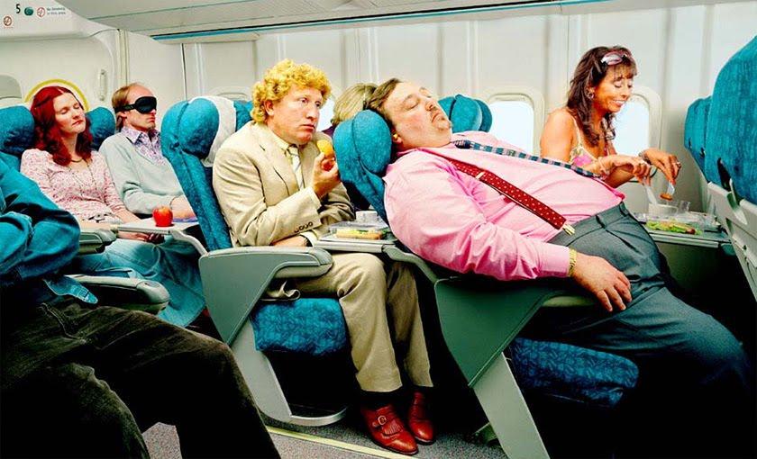 Ar trebui ca supraponderalii să plătească un bilet de avion mai scump?