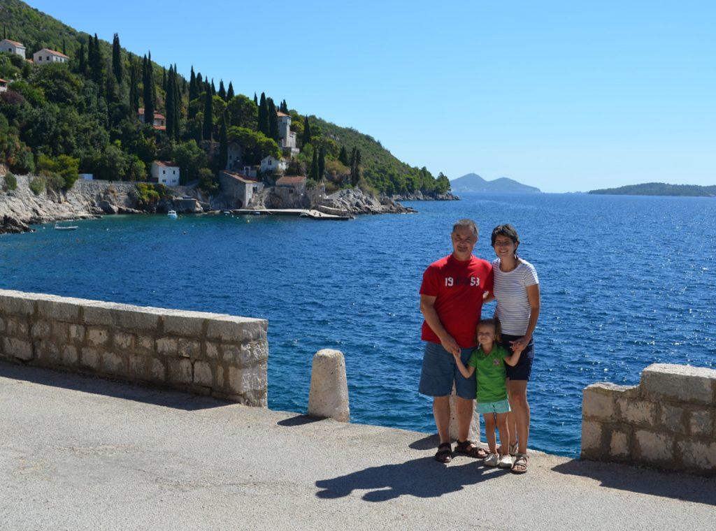 Cum să călătorești în mod plăcut cu un copil mic