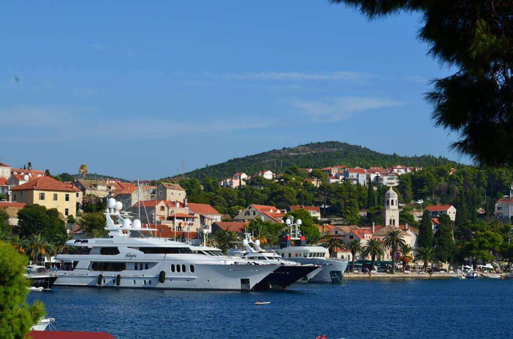 Croația – un fel de Germanie cu climă faină și litoral excepțional